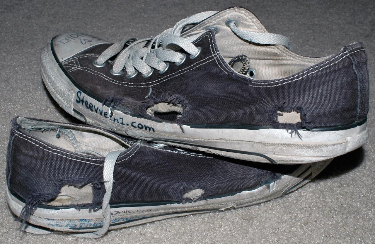 13dc3e7c6ad3 Egy cipő, amiből még a hamisítvány is jobb, mint az eredeti - 444